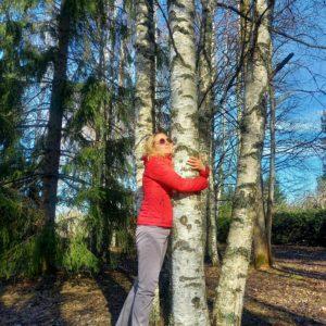 Päivi Leppäniemi: Ihminen ja puu